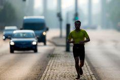 Jetzt lesen: Laufen mit Liedern: Sind sie ein Musikmarathoni? - http://ift.tt/2fqHpcI #nachricht