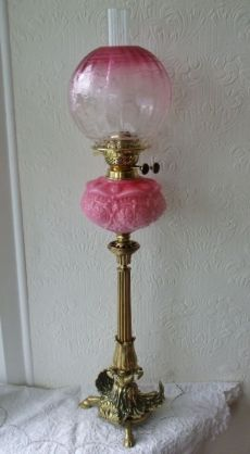 ANTIQUE ENGLISH VICTORIAN CLOVEN HOOF BRASS OIL LAMP