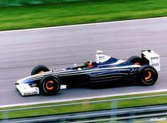 En 1999 el Williams FW21B fue preparado a pedido de Michelin y equipado con un motor BMW que haría su regreso a la Fórmula 1 en el 2000. El piloto de pruebas para la ocasión fue Jörg Müller, y la prueba tuvo lugar en Miramas en el sur de Francia. Más tarde este modelo, con distinta coloración, también sirvió como base de trabajo para probar todo lo relacionado con las investigaciones de BMW