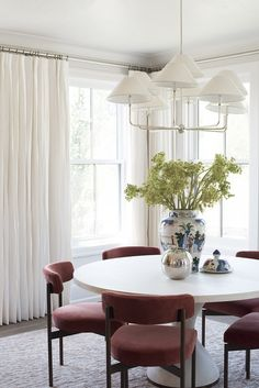 Small Dining Room Ideas That Will Inspire You Today Dining Room Design, Dining Room Furniture, Dining Chairs, Dining Rooms, Coffee Chairs, Wooden Chairs, Desk Chairs, Patio Chairs, Plywood Furniture