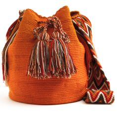 Handmade Wayuu Boho Bags | WAYUU TRIBE Crochet Patterns. I love this colour!