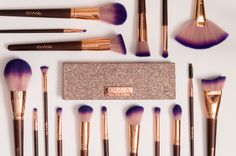 Fairytale Collection Vol 2 makeup brushes. 17 stunning rose gold and purple brushes paired with GWA's Ultimate Goddess palette. It's all about the sparkle! Contour Brush, Eyeliner Brush, No Eyeliner Makeup, Lip Brush, Makeup Brush Set, Gold Eye Makeup, Eye Makeup Brushes, It Cosmetics Brushes, Cosmetic Brushes