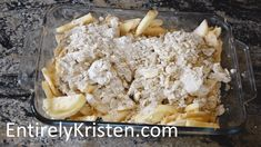 Easy Homemade Apple Crisp - The Perfect Fall desert! Homemade Apple Crisp, Apple Crisp Recipes, Apple Crumble Pie, Apple Cobbler, Apple Pie, Butter Finger Dessert, Easy Desserts, Dessert Recipes, Apple Deserts