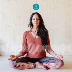 Im stressigen Alltag kommen deine Bedürfnisse sicher oft zu kurz. Häufig bist du bestimmt für andere da und vergisst dabei, dir auch selbst mal etwas Gutes zu tun. Diese Meditation schenkt dir diese liebevolle Aufmerksamkeit, die du verdient hast. Sag Ja, Yoga Video, Meditation, Online Yoga, Videos, Zen