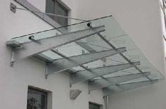 Überdachung aus feuerverzinktem Stahl und Sicherheitsglas für die IG Metall in Hannover