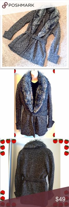 """🎉HP🎉 Express faux fur cardigan duster sweater Gorgeous! Silver tone adjustable buckle closure, detachable waist tie & detachable (button) faux fur collar. So stylish & easy to dress up or down. Measures approx 33"""" long, 22"""" sleeves, & 20"""" across chest. Size large, but could fit a small-large. Please ask any questions. 🔴Bundle to save! 🔴NO TRADES, no modeling. 🔴Price FIRM unless bundled. Express Sweaters Cardigans"""