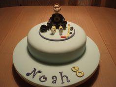 https://flic.kr/p/74bxzf | ICE HOCKEY CAKE | Infelizmente a foto ficou um pouco escura :O( Bolo para o Noah que é jogador de hockey no gelo.  Not the best picture,but this is Noah's birthday cake .He loves to play ice hockey.