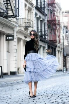 Jupon en tulle : awesome Jupon en tulle : h&m velvet top with leather belt zara pastel blue tull