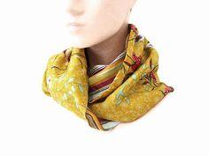 89c4d6ff28de snood femme tissu jaune moutarde fleurs et rayures