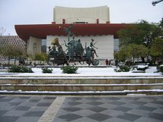 National Theater of #Bucharest #Romania on Sunday, first 2014 #snow #photography