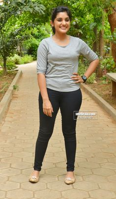 New Dress Tight Curvy Ideas South Indian Actress Hot, Indian Bollywood Actress, Indian Actresses, Beautiful Girl Indian, Most Beautiful Indian Actress, Indian Bridal Photos, Stylish Girl Pic, Beauty Full Girl, Indian Beauty Saree