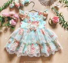 Retro dress of blue cotton with flower print and lace Baby outfit Vintage kids frock Wedding baby dress Birthday gift Flower girl dress - Babykleidung Baby Dress Design, Baby Girl Dress Patterns, Frock Design, Frocks For Girls, Little Girl Dresses, Flower Girl Dresses, Baby Outfits, Kids Outfits, Baby Frocks Designs