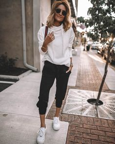 As I mentioned before, I love a good sporty-chic loungewear outfit! So I'd like to celebrate… Source by hsefashionandlifestyle chic outfits Sporty Chic Outfits, Sneakers Fashion Outfits, Athleisure Outfits, Sporty Style, Casual Outfits, Sporty Fashion, Urban Chic Outfits, Mod Fashion, Fashion Black