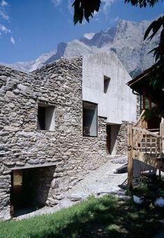 Genuine Rocky Architecture in Switzerland: The Chamoson Residence