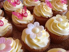 Flowers and butterfly cupcakes