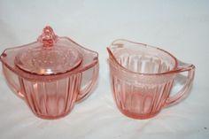 Jeannette pink depression glass - Adam pattern - 1932/34