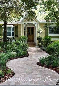 The Decorated House: ~ Paver Walkway, Curves Welcome!