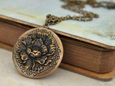 antique lockets for bridesmaids