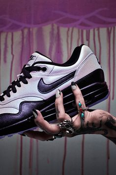 """Nails by mani-master Asa Bree —inspired by the Air Max 1 Pearl iD: """"Nails can be as simple as reapplying shapes."""" Asa drew more attention to her favorite AM1 details by pulling them out in a contrasting color. Get creative and build your own pair with NIKEiD."""