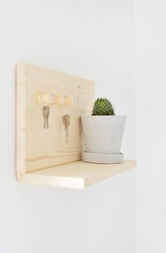 diy wooden key shelf