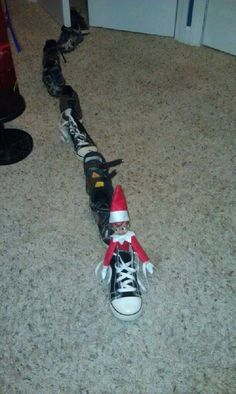 Elf on the Shelf idea – Elf makes a shoe shoe train – lol | best stuff