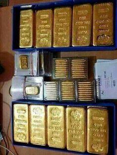 Gold Bullion Bars, Silver Bullion, Money On My Mind, My Money, Money Stacks, Gold Money, Pot Of Gold, Diamonds And Gold, Precious Metals