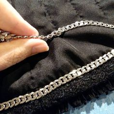 EN: Summary: The last considerations before finishing the jacket go to the chain choice. What matters to choosing the right weight chai...