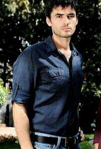 Nik Xhelilaj How To Memorize Things, Button Down Shirt, Handsome, Men Casual, Faces, Actors, Mens Tops, Shirts, Beautiful