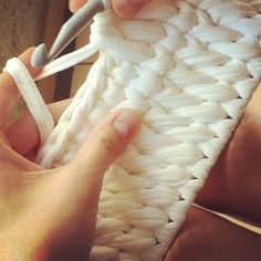 """New Cheap Bags. The location where building and construction meets style, beaded crochet is the act of using beads to decorate crocheted products. """"Crochet"""" is derived fro Bag Pattern Free, Crochet Basket Pattern, Crochet Patterns, Crochet Home, Bead Crochet, Tunisian Crochet, Crochet Stitches, Crochet T Shirts, Crochet Videos"""
