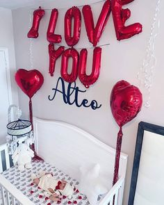 I got this AMAZING photo from a customer / brand new mommy! I really adore how her newborn pictures look like a true celebration with all those balloons! Solo Mom, Custom Wood Signs, Newborn Pictures, I Got This, Cool Photos, Balloons, Celebration, Crafty, Amazing