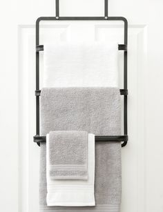Store, display and air dry your bathroom towels with this towel rack that can be hung on top of the door to save space. Bathroom Door Hooks, Bathroom Niche, Towel Rack Bathroom, Bathroom Trends, Bathroom Sets, Bathroom Flooring, Bathroom Faucets, Bathroom Storage, Small Bathroom