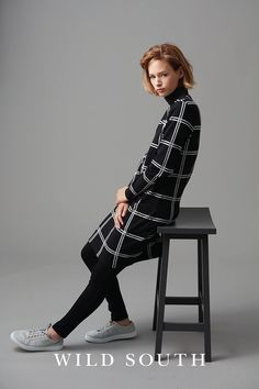 This cotton check dress is your new go-to piece for effortless weekend style. Crafted from super soft cotton with a touch of elastane for added comfort it features a set in sleeve and reaches just above the knee. Featuring a solid black neckband, two front pockets and polished silver branded tag to the hem, team with trainers for a relaxed off duty look.