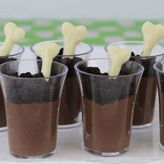 Yummy chocolate mousse themed for your dinosaur party.