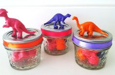 So cute for those little dinosaur lovers. Set of 12 Dinosaur Crayons on @GroopDealz for $4.40!