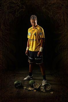 """Handball Nationalspieler und Abwehrmauer Oliver """"The Rogg"""" Roggisch"""
