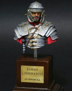 Bust from Youn Miniatures in scale. Roman legionarius from Century Anno Domini Rome History, Anno Domini, Roman Legion, Roman Soldiers, Military Figures, 1st Century, Miniature Figurines, Chess Pieces, Roman Empire