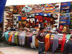 De compras por Quito ¡Llévate un recuerdo de Ecuador!. -Mercado de Otavalo
