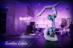 Contortionists duo for a corporate event in Sweden | Entertainment agency | Corporate entertainment