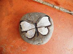 Figuras - Piedras pintadas a mano: mariposas - hecho a mano por ...