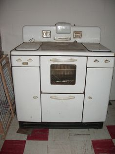 Old stove- found the burner covers and going to convert to plant trays