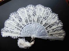 Abanico bordado modelo Alabastro