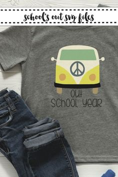 Make this darling Peace Out School Year Shirt with the SVG from Everyday Party Magazine #School #SVGSaturday #VWBus #Peace