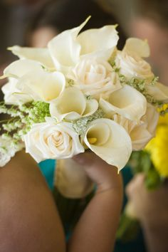 Calla Lilies and Roses - Classic Ivory bouquet - Bridal bouquet - Classic wedding flowers - elegant flowers - roses and lily - rose - Wedding bouquet - bride flower ideas - Summer wedding - Ideas - Inspiration - Knoxville Tn florist - wedding florist Knoxville TN - Lisa Foster Floral Design - www.lisafosterdesign.com