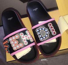 She do it al for the Fendi Cute Sandals, Cute Shoes, Me Too Shoes, Shoes Sandals, Women Sandals, Shoes Women, Fendi, Gucci, Sneakers Fashion