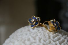 1950S BLUE FLORAL CLIP ON EARRINGS
