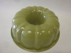 Lorena Garcia Colorful Gourmet Fluted Cake Pan with Technolon+~GREEN~NEW #LorenaGarciaColorfulGourmetFlutedCakePanwit