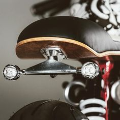 Skate or Die: A Thruxton With A Street Art Vibe A Triumph Thruxton cafe racer with a street art vibe by Hans Bruechle Bmw Cafe Racer, Gs 500 Cafe Racer, Cafe Racer Parts, Cafe Bike, Custom Cafe Racer, Cafe Racer Girl, Dominator Scrambler, Moto Enduro, Moto Bike