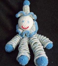 Free printable crochet pattern to stitch a clown doll provided by Craft Elf. Crochet Diy, Vintage Crochet, Crochet Crafts, Crochet Dolls, Crochet Projects, Crochet Toys Patterns, Stuffed Toys Patterns, Crochet Octopus, Crochet Animals