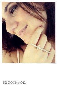 Anel Cross Diamonds