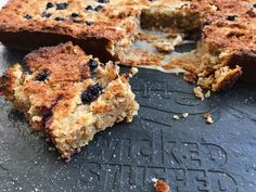 Looove these sugar-free chewy blueberry muffine blondies made with Steviva (an erythritol/stevia blend).